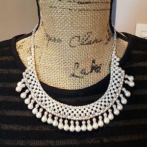 NWOT  Chaps Necklace